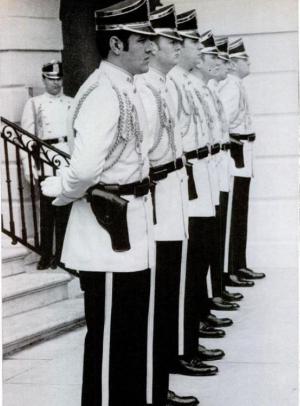 White-house-secret-service-uniforms-nixon